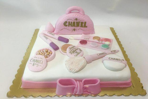 Birthday cake chanel