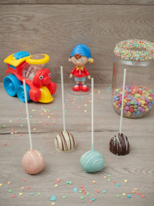 Cake pops choco colors