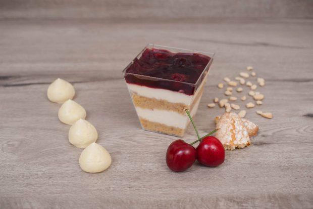 Cheese cake cherry