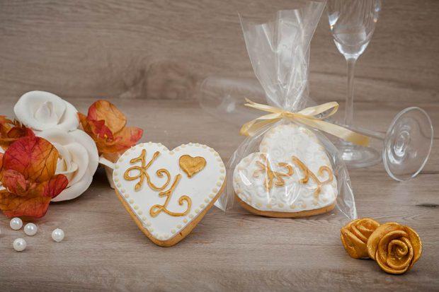 Wedding cookie heart